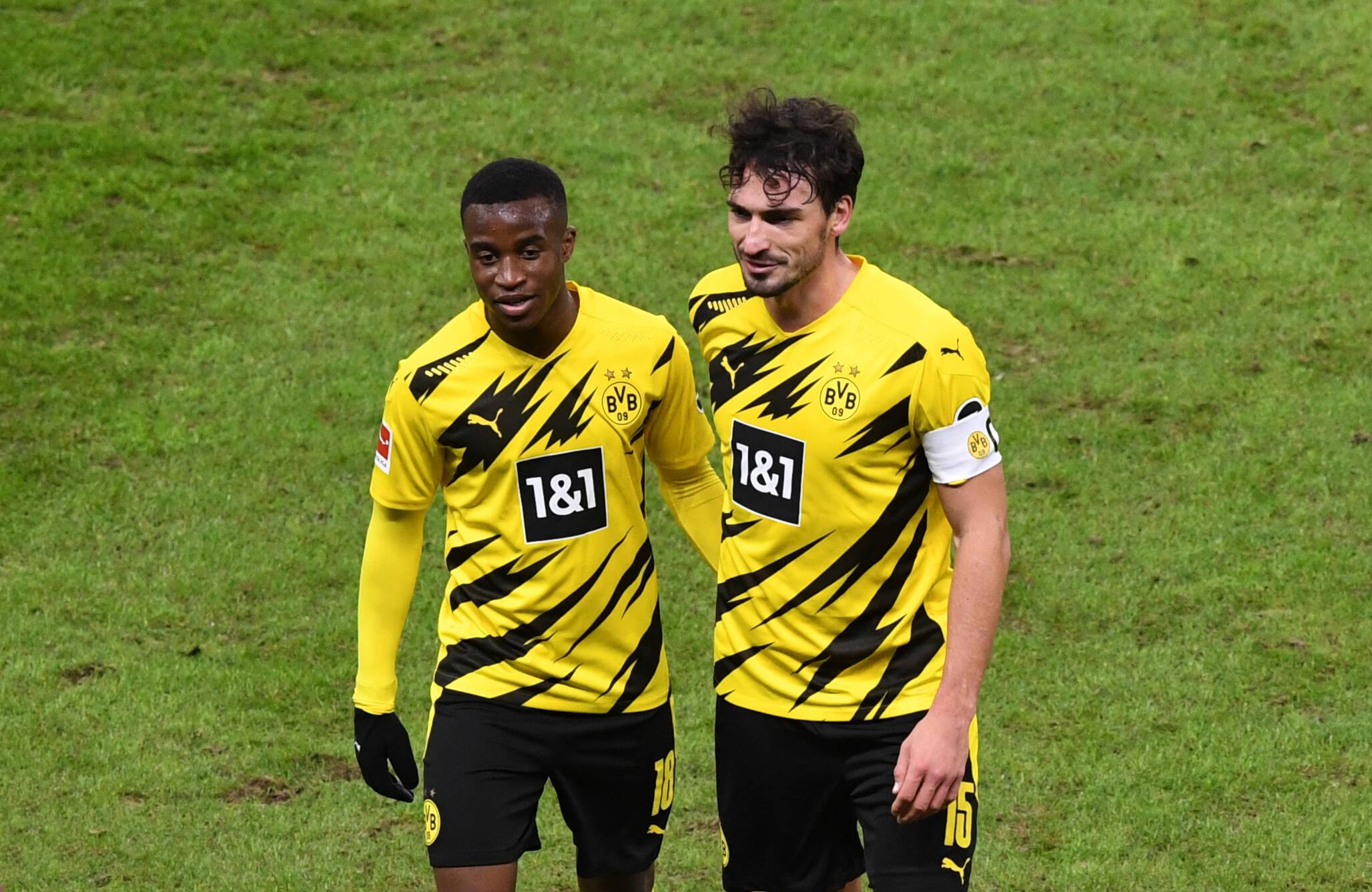 Youssoufa Moukoko und Mats Hummels